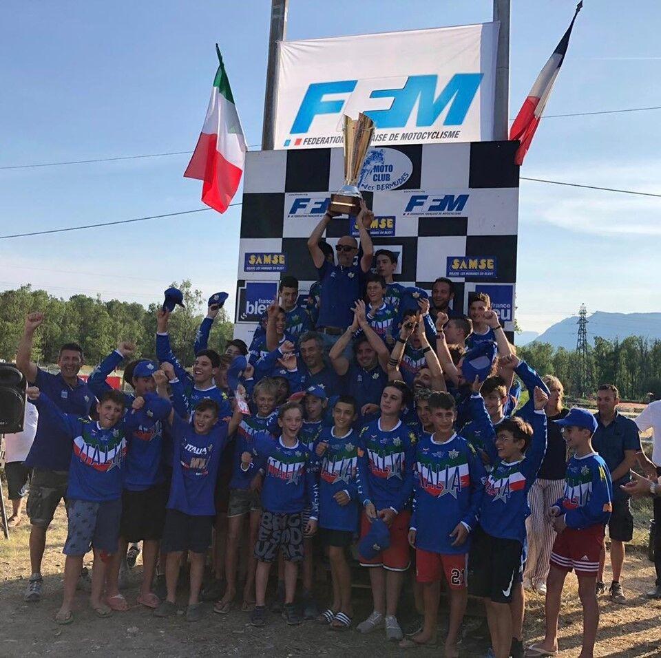 Foto di gruppo per i trionfatori della Maglia Azzurra Italia-Francia 2019