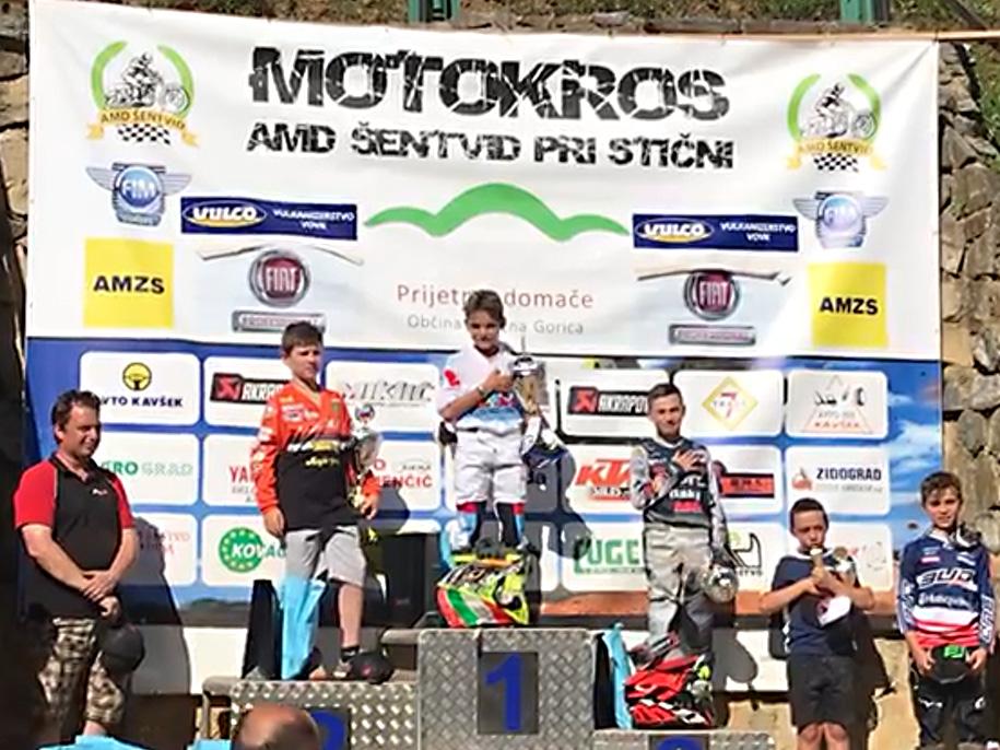 Podio cl 65cc in Slovenia con al centro il vincitore Filippo Mantovani (MC Pellicorse - Ktm)